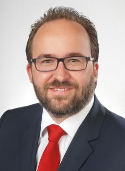 Herr Michael Kuhn