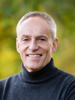 Herr Stefan Ehrhard