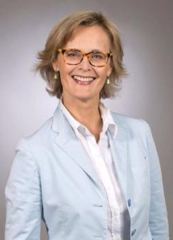 Frau Corinna Bosch